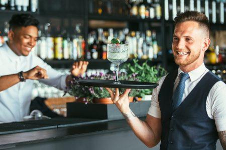 10 dicas de como treinar garçons do seu restaurante